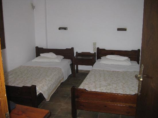 Irida Apartments: bedroom