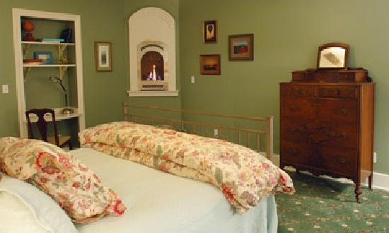Grape Arbor Bed and Breakfast: Our suites are spacious and offer many modern amenities