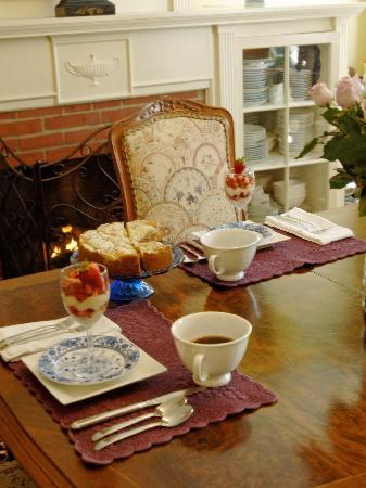 Grape Arbor Bed and Breakfast: Our four course breakfasts garner rave reviews!