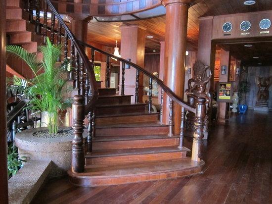 Ta Prohm Hotel: フロントの写真です。