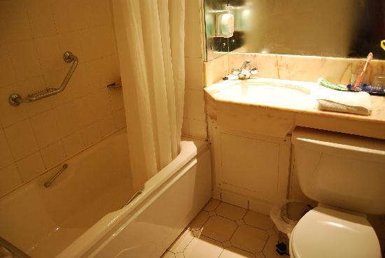 Brandon Hotel: Cuarto de baño