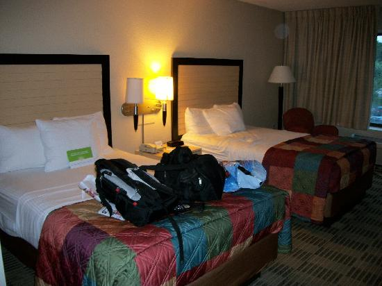 La Quinta Inn & Suites Clifton / Rutherford: Comfortable room