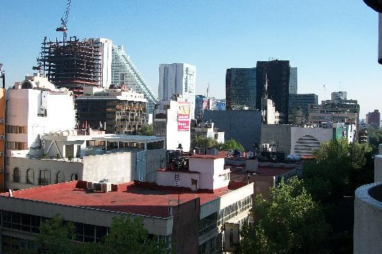 Hotel Century Zona Rosa México: vista de la zona roza desde el balcon del Hotel