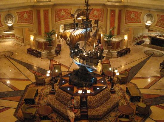 Tokyo DisneySea Hotel MiraCosta: ロビー