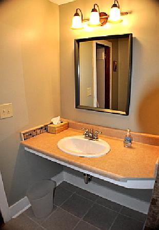 Pine Grove Cottages: Renovated bathroom, #3