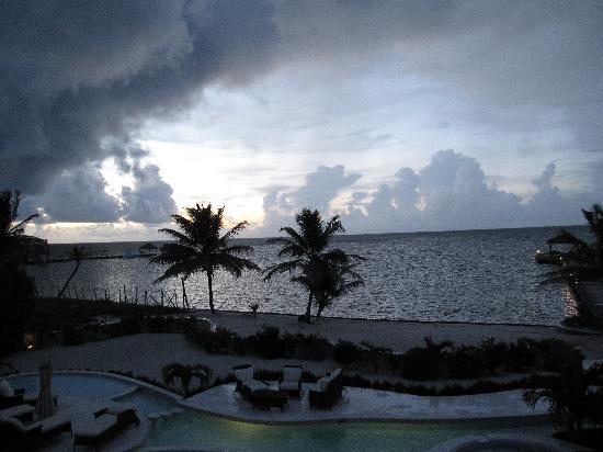 Belizean Cove Estates: A stormy evening