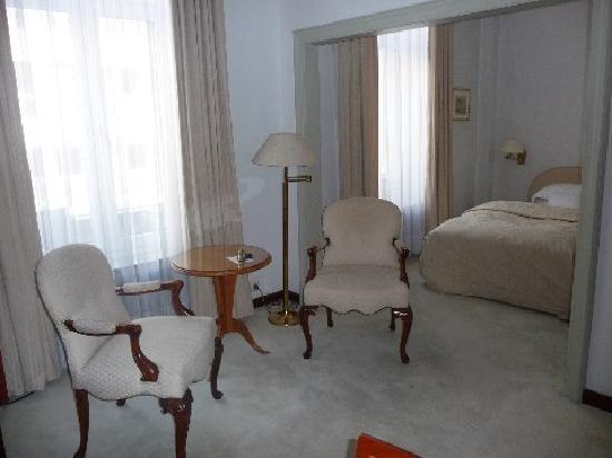 Excelsior Hotel Ernst: Der Wohnbereich