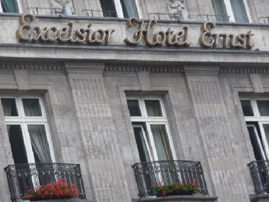 Excelsior Hotel Ernst: Aussenfassade
