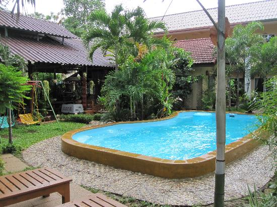 Guesthouse Liam's Suan Dok Mai : zwembad