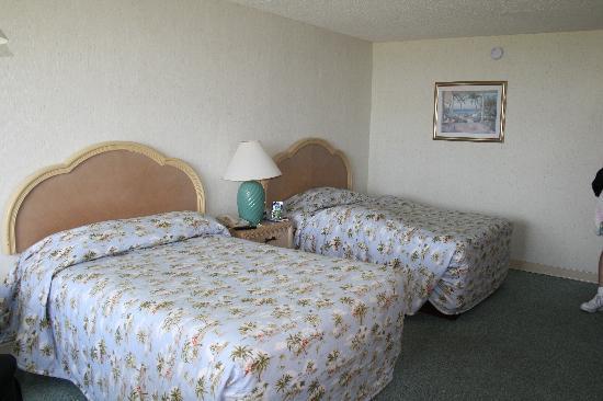 Islander Motel: room