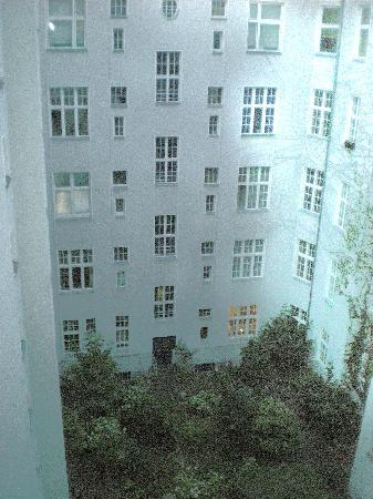 Hotel-Pension Bregenz: window looking into the garden, very quiet