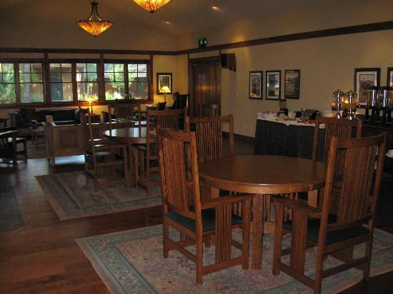 Five Pine Lodge & Spa: Breakfast