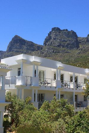 The Twelve Apostles Hotel and Spa: The hotel