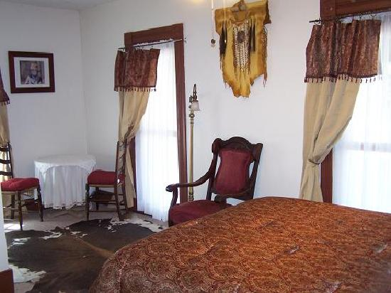 Yosemite Coulterville Inn: Wild West Room