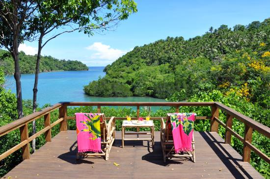 Bitung, Indonezja: Divers Lodge Lembeh - Open Lounge & Restaurant area