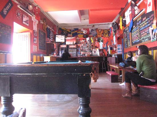 The Point Hostels - Cusco: Pool table and bar