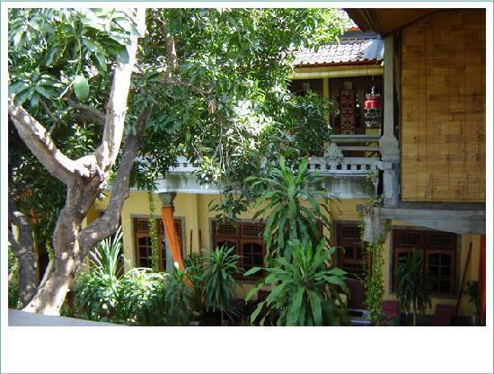 Pantai Mas: ca. 13 Einzimmer/Bad Appartements mit Balkon/Terasse und Garten- und/oder Meerblick