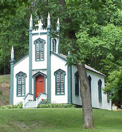 Port Gibson, MS: Old Sacred Heart Church at Grand Gulf
