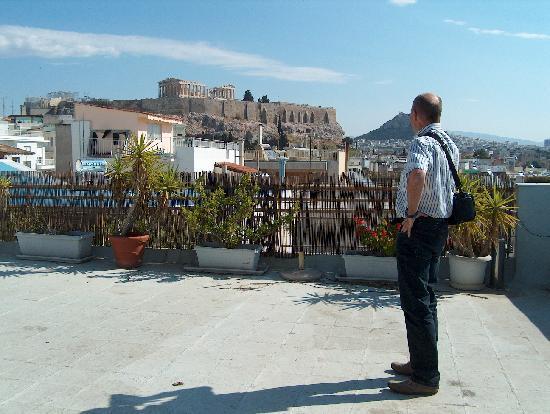 Acropolis Hill Hotel: Blick von der Hotelterrasse auf die Akropolis
