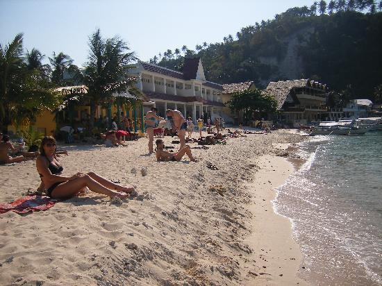 Portofino Beach Resort: MORE HARDWORK
