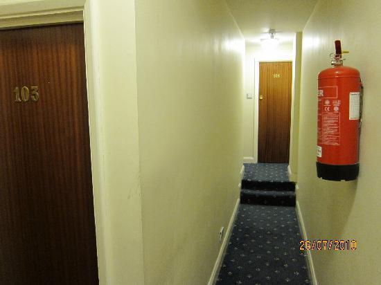 Hotel Sophia : hallway