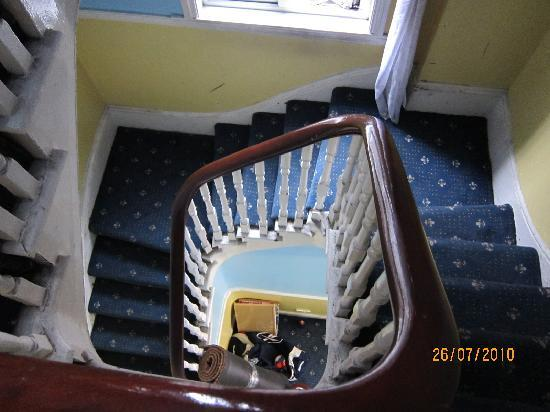 Hotel Sophia: narrow stairwell