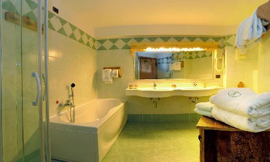 Romantik Hotel Jolanda Sport: bagno