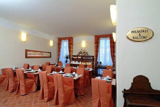Hotel Caravaggio: Breakfast Room
