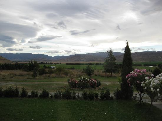 Omarama, New Zealand: View from the living room