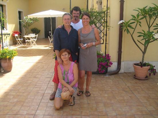 B&B di Charme Camelie: mit unseren gastgebern Marina und Guiseppe