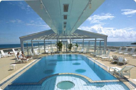 Miramar La Cigale Hotel Thalasso & Spa: piscine eau de mer 32°c