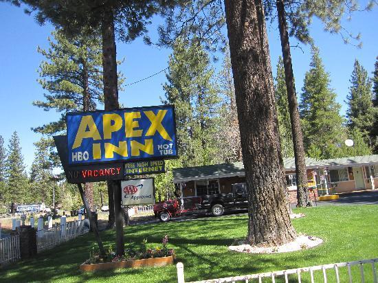 Apex Inn: Front