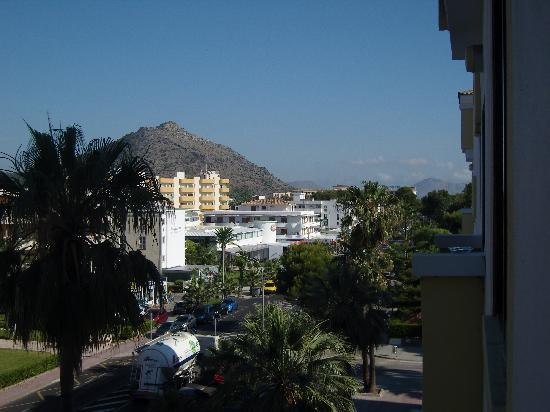 IBEROSTAR Alcudia Park: view from our room, lokked out onto the shops