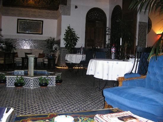 Riad Zamane: le salon d'accueil et repas