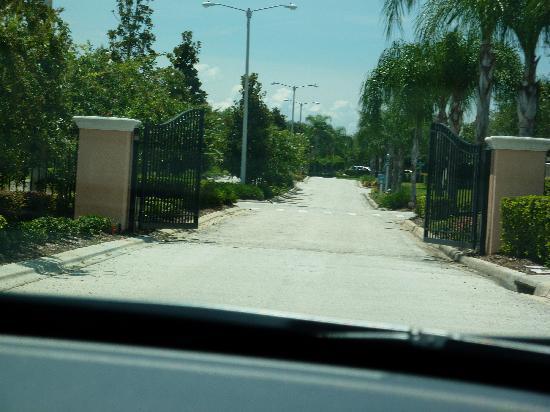 Windsor Palms Resort: Security Gates
