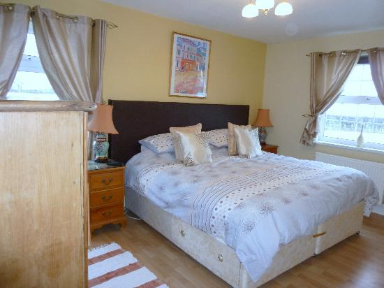 Acorn Corner B&B and Stables: Deluxe Double/Twin bedroom