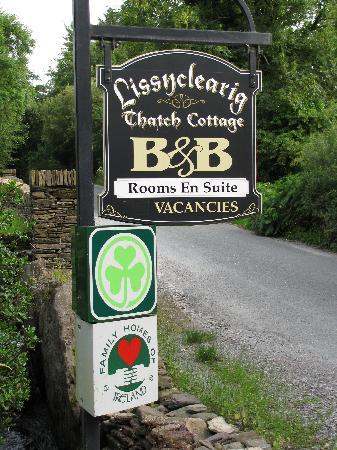 Lissyclearig Thatched Cottage: B&B Sign