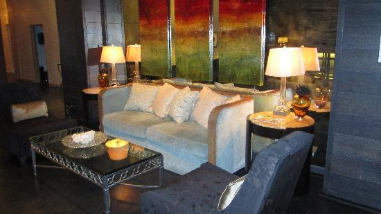 Loden Hotel: another lobby photo