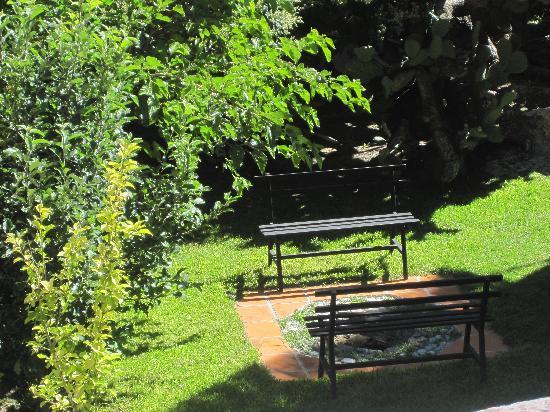 Refugio Romano: grounds