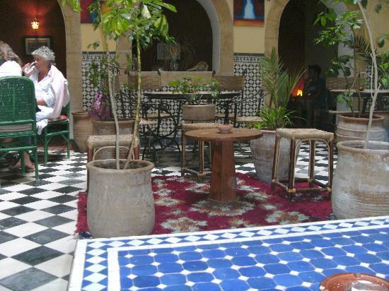 Riad Sidi Magdoul - Le coin des Artistes : Rez-de-chaussée du riad