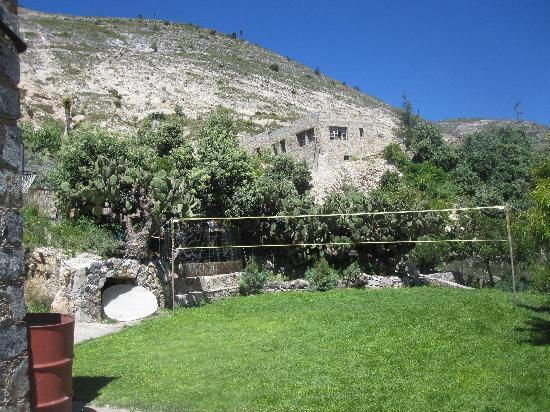 Refugio Romano: court