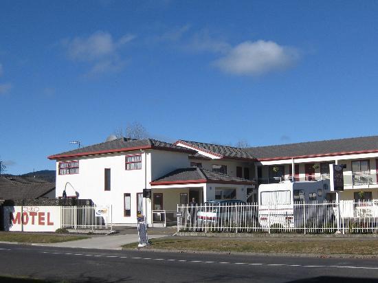 BK's Rotorua Motor Lodge: outside