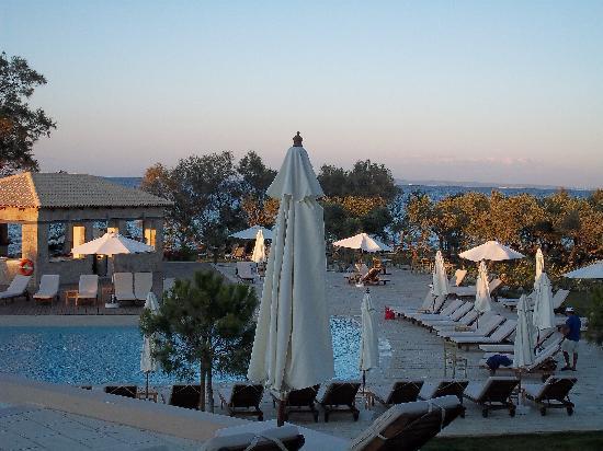 Atlantica Eleon Grand Resort & Spa: Infinity pool