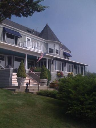 Cape Arundel Inn & Resort: View on arrival