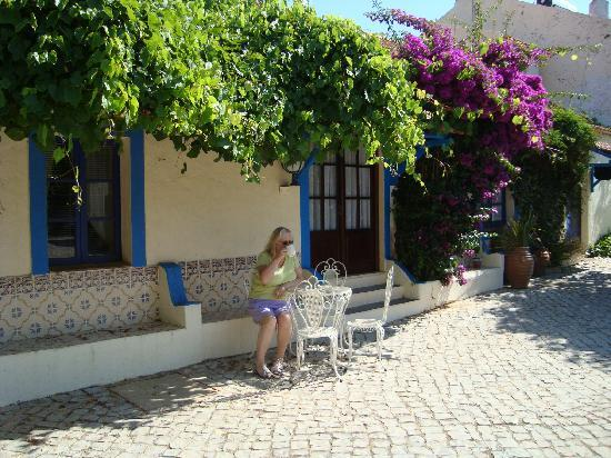 Paraiso Jardim: in the courtyard