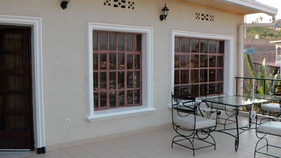Golf Hills Residence: Balkon