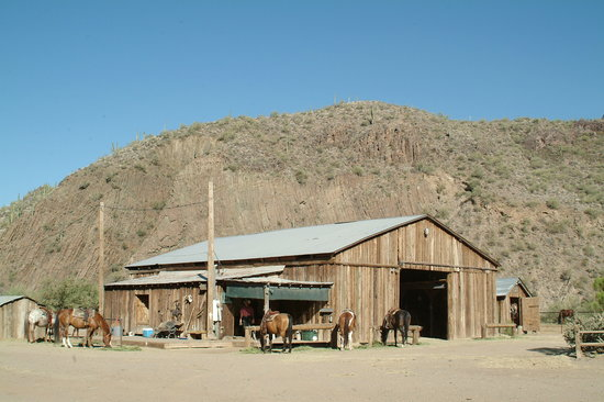 Black Canyon City, AZ: barn