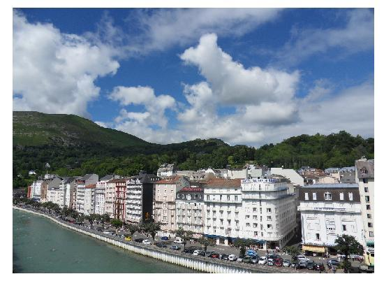 Saint-Louis France  city photos gallery : fachada Picture of Saint Louis de France, Lourdes TripAdvisor