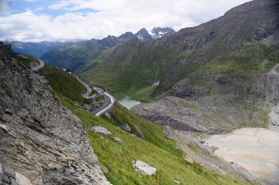 Grossglockner: Glacial meltwater lake and last part of Alpine Road