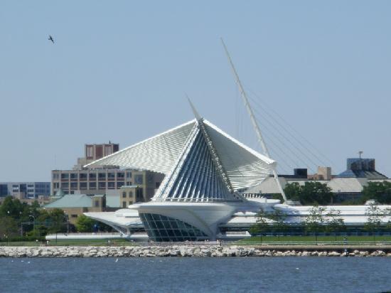 Milwaukee, WI: Das Museum schlägt mit seinen Flügeln